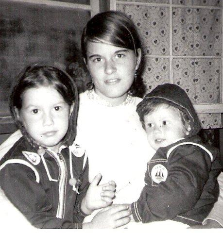 Daughters Lynn & Sarah with their Aunt Sue Morris Steverson, not sure of location, circa 1966.
